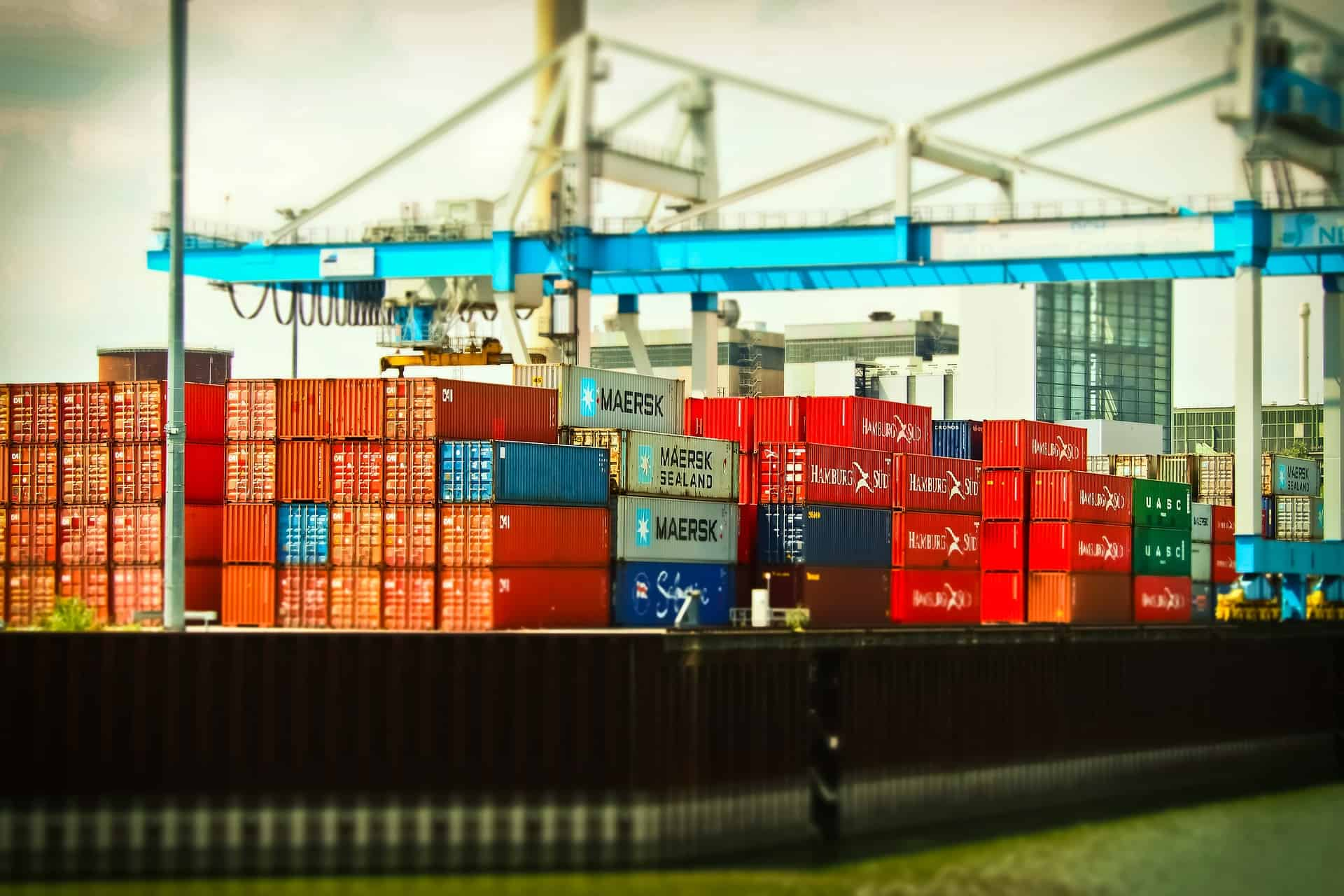 cargo kapal laut