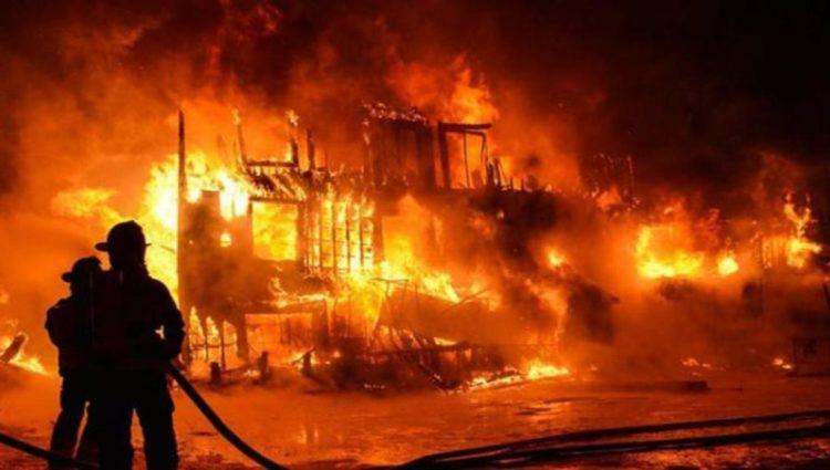 Gudang Peluru Polda Metro Jaya Terbakar 13 Unit Damkar dikerahkan